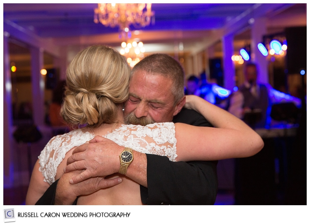 father-daughter-dance-during-wedding-reception