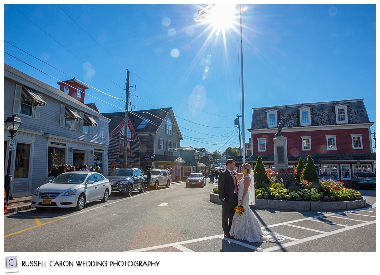 bride-and-groom-in-dock-square-kennebunkport