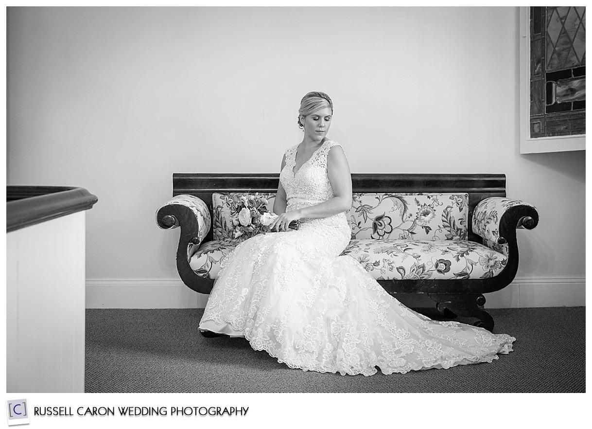 bridal-portrait-on-sofa