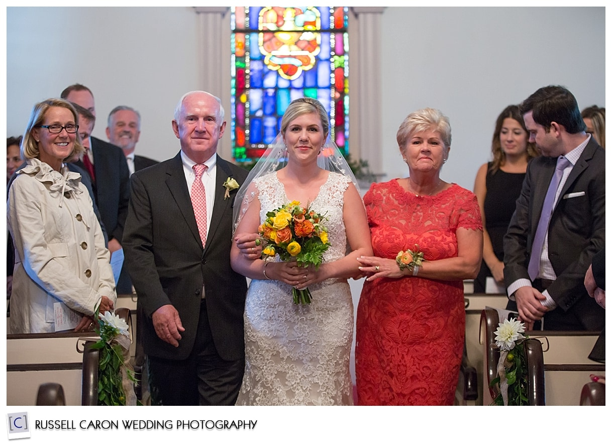 bride-and-parents-during-processional-at-south-congregational-church-kennebunkport-maine