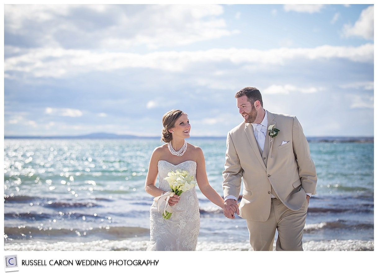 bride-and-groom-at-the-beach