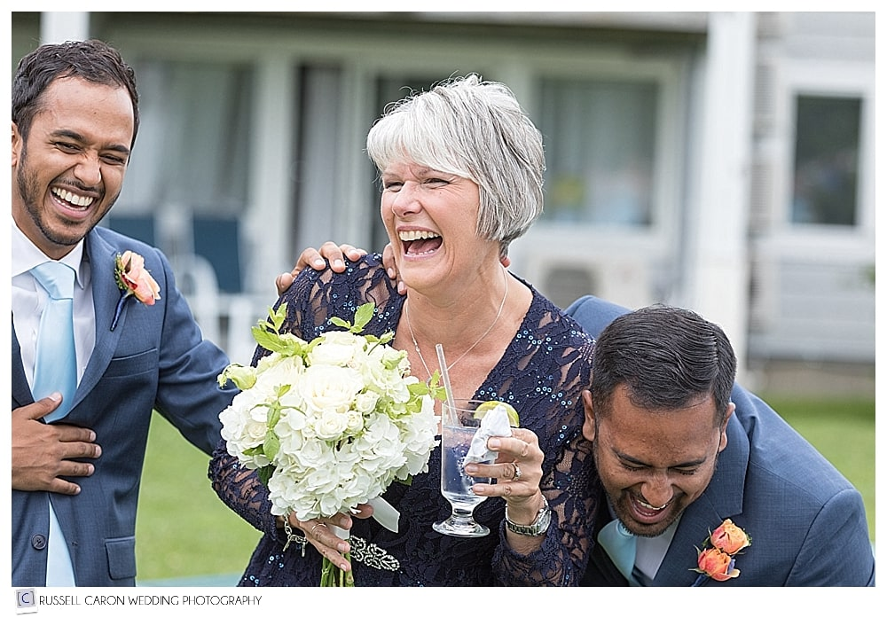 A fun wedding moment at Eliza and Nick's Nonantum wedding, Kennebunkport, Maine. Our #10 best Maine wedding photos 2017