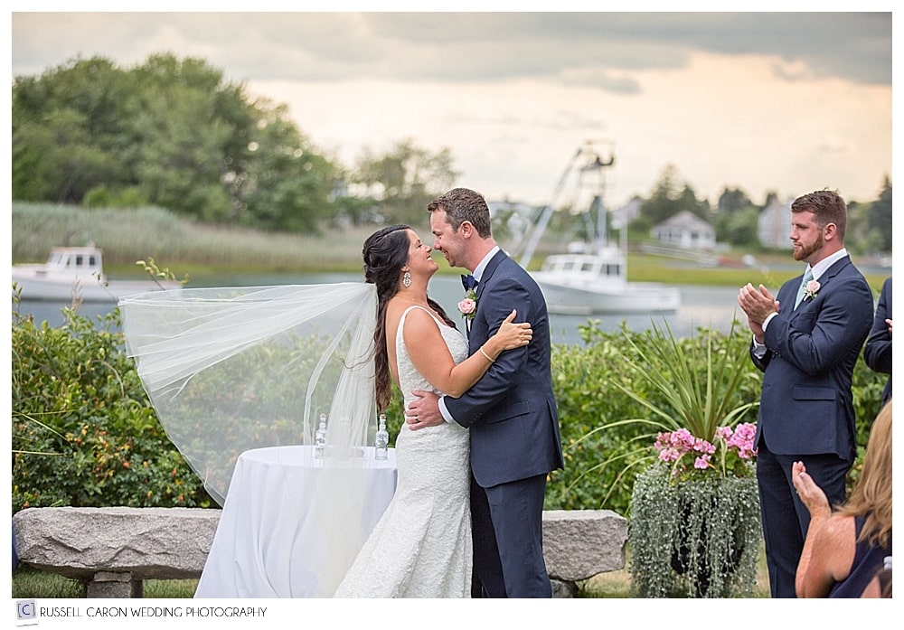 Happy wedding moments at the Nonantum Resort in Kennebunkport, Maine, in our best wedding photos of 2016!