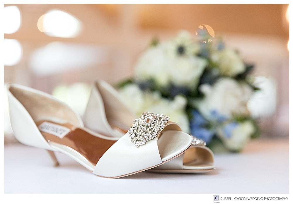 wedding day details, Badly Mischka shoes