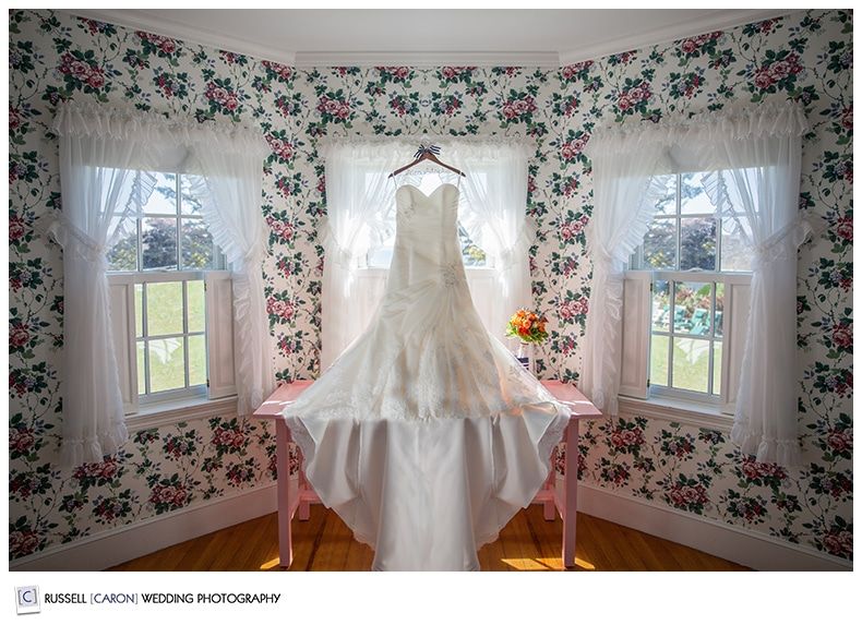 wedding-gown-colony-hotel-kennebunkport-wedding