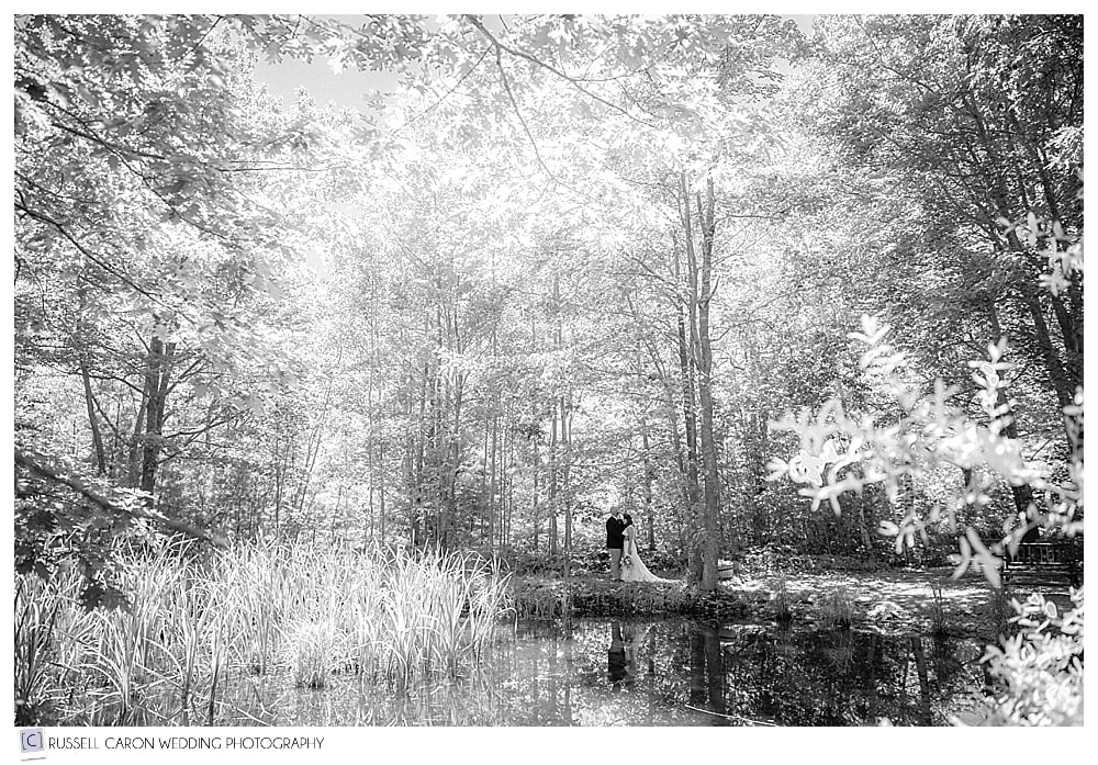 bride-and-groom-portrait-in-the-woods-black-and-white