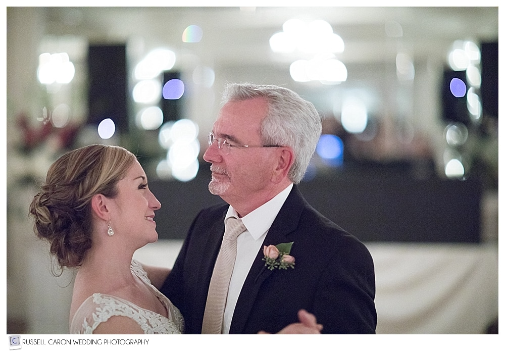 wedding day father daughter dance