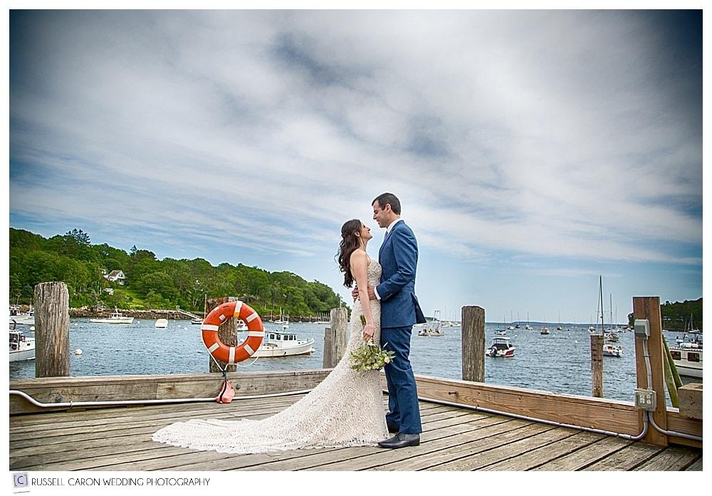 wedding-couple-in-rockport-maine-harbor