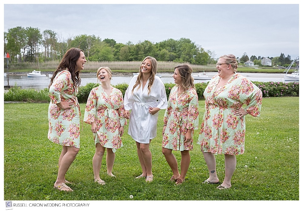 bride and bridesmaids on the lawn at the nonantum resort kennebunkport maine