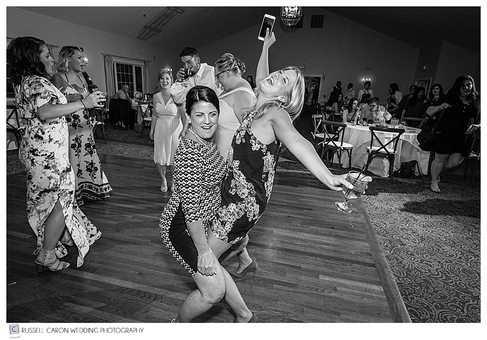 wedding reception dancing fun