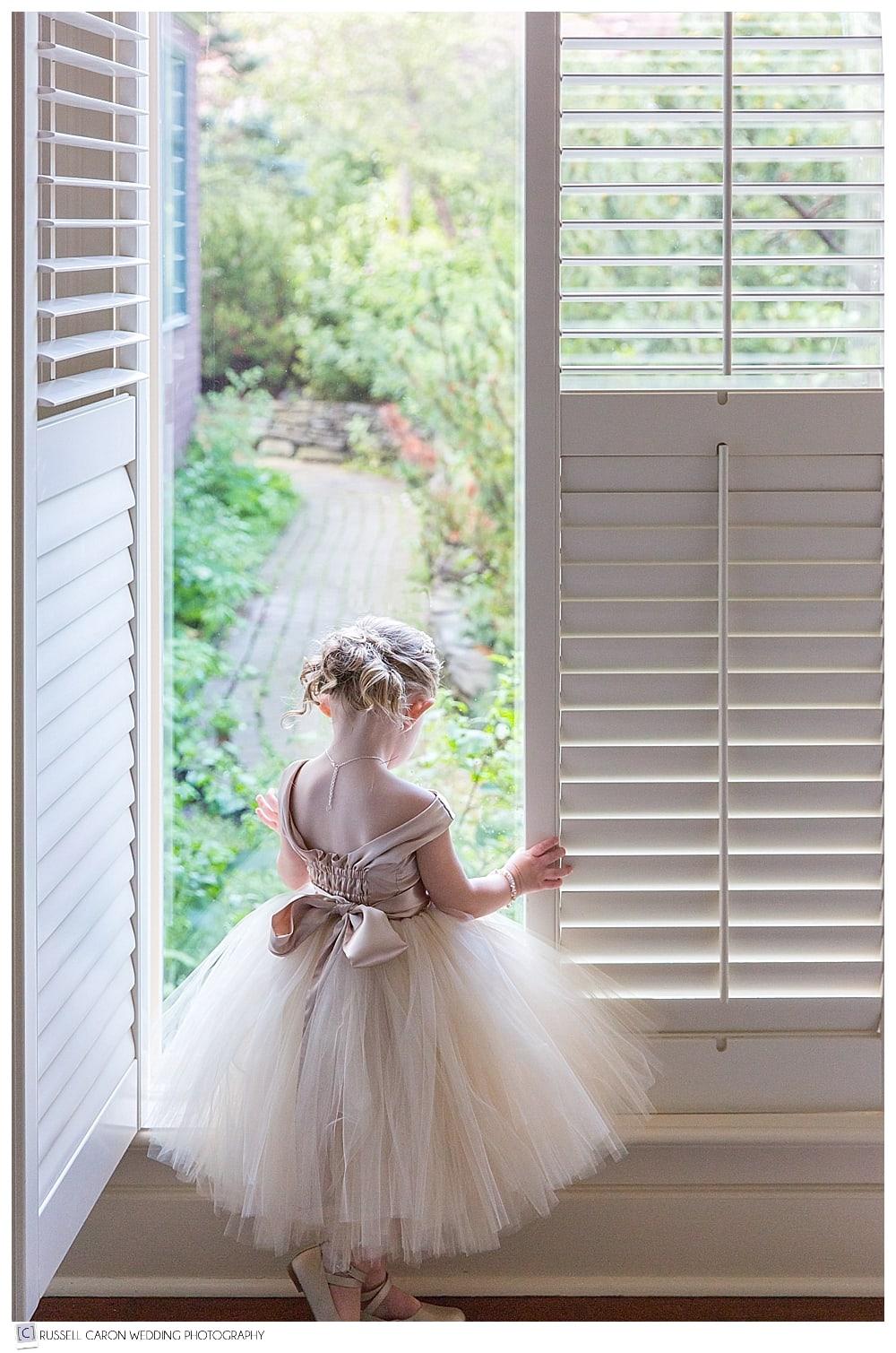 flower-girl-at-window