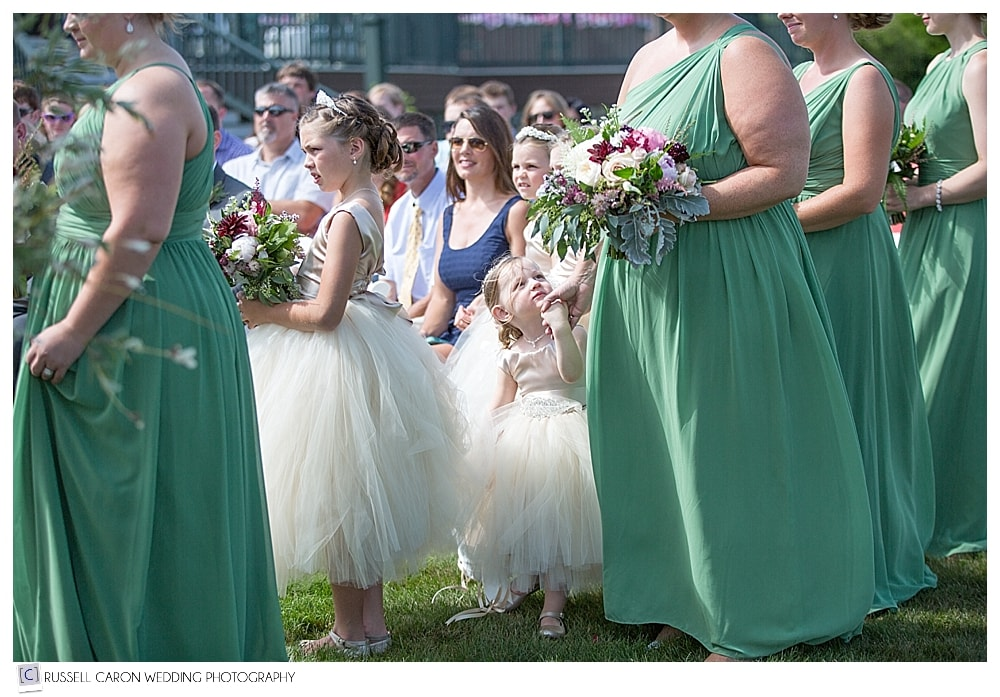 flower-girls-during-wedding-ceremony