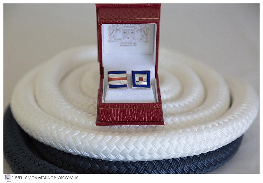 groom cufflink details
