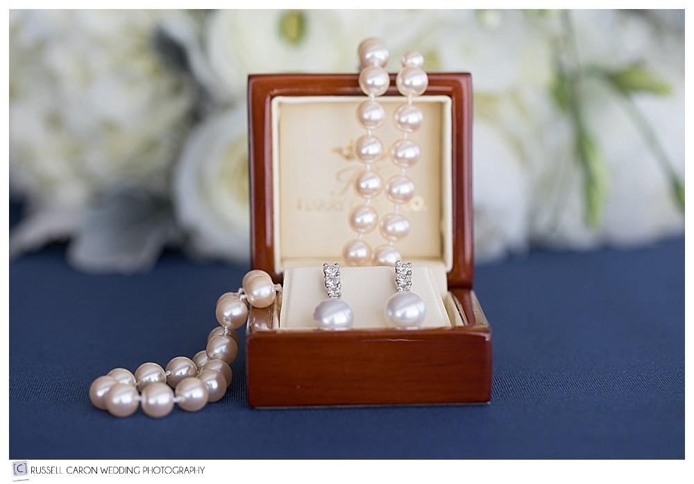 bridal jewelry details