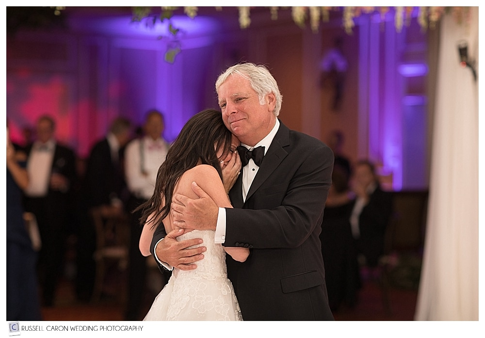 father daughter dance on wedding day