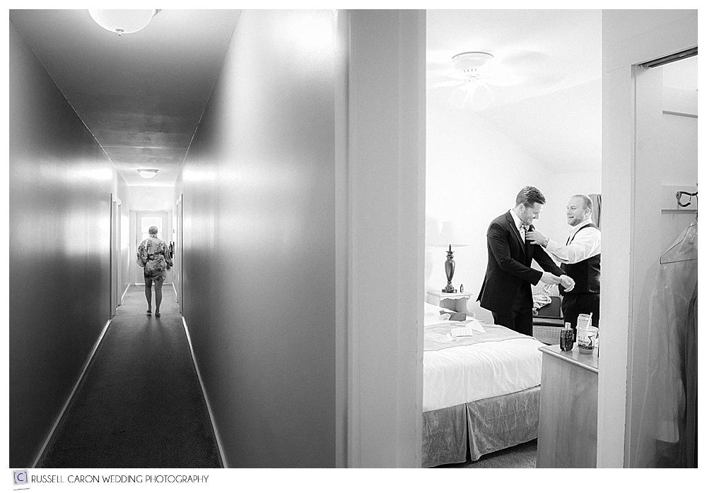 groom-getting-ready-on-wedding-day