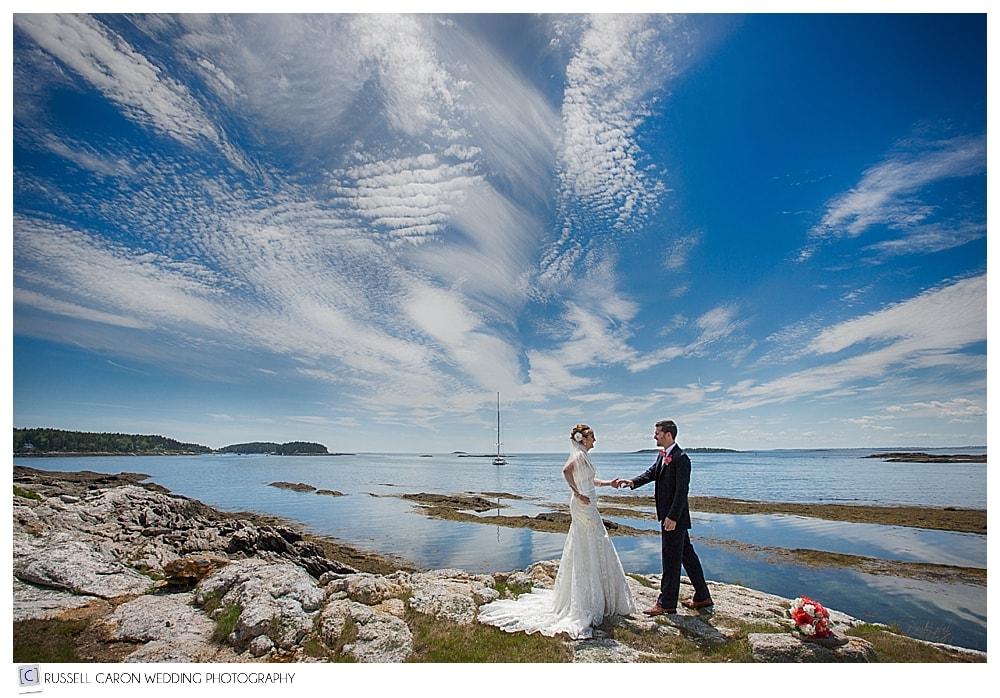 bride-and-groom-on-the-maine-coast