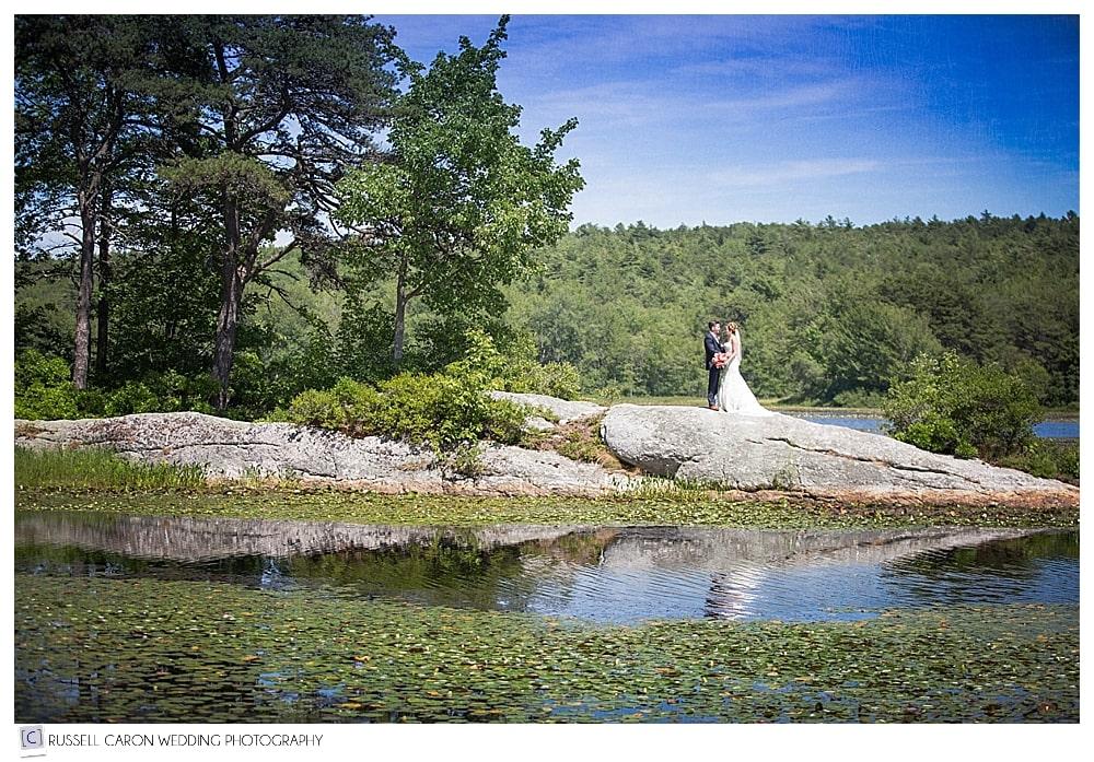 bride-and-groom-on-the-rock-at-sebasco-resort-weddings