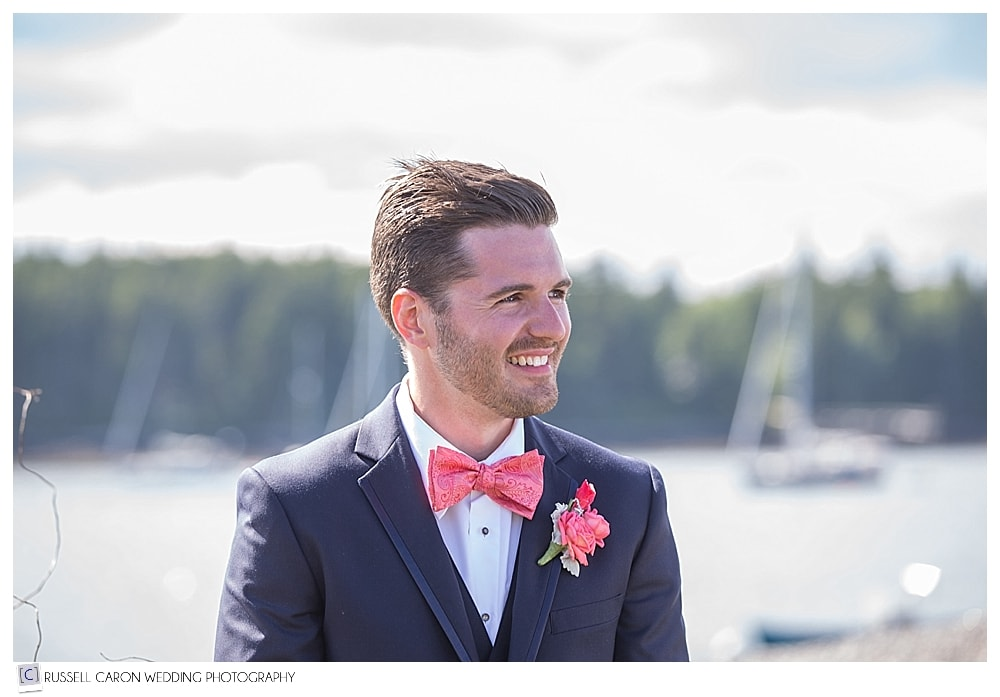 groom-watches-bride-during-processional