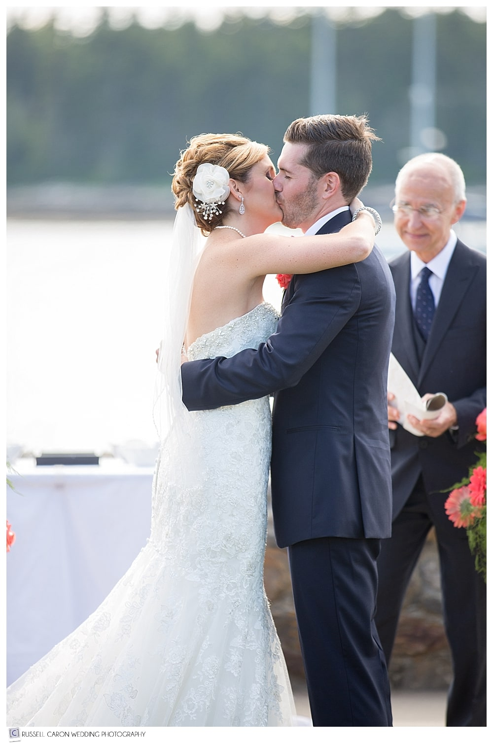 bride-and-groom-during-first-kiss