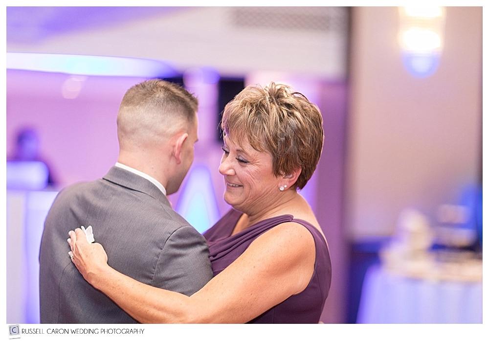 wedding day mother son dance