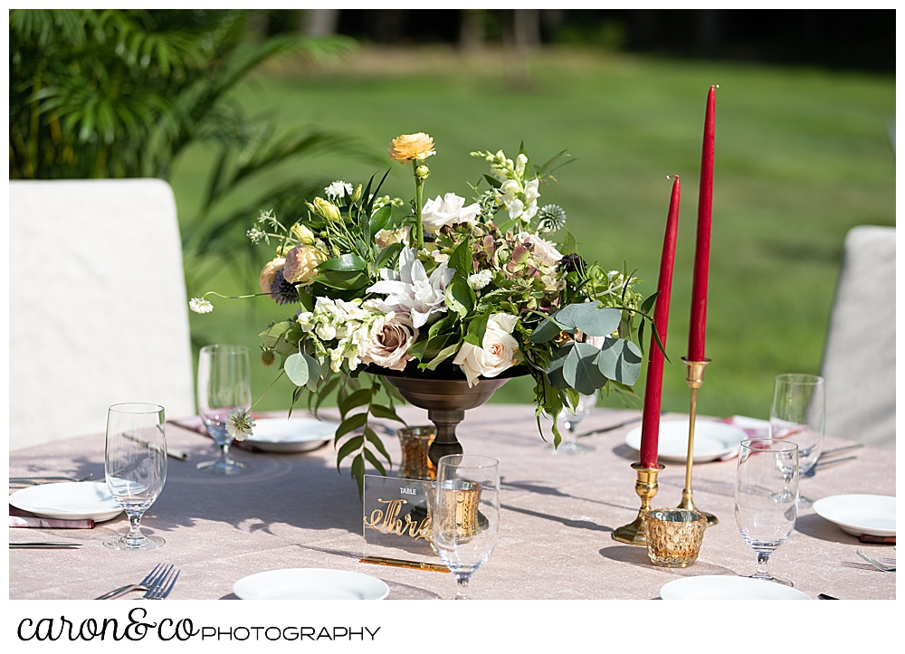 beautiful table scape at a scarborough maine wedding tented reception