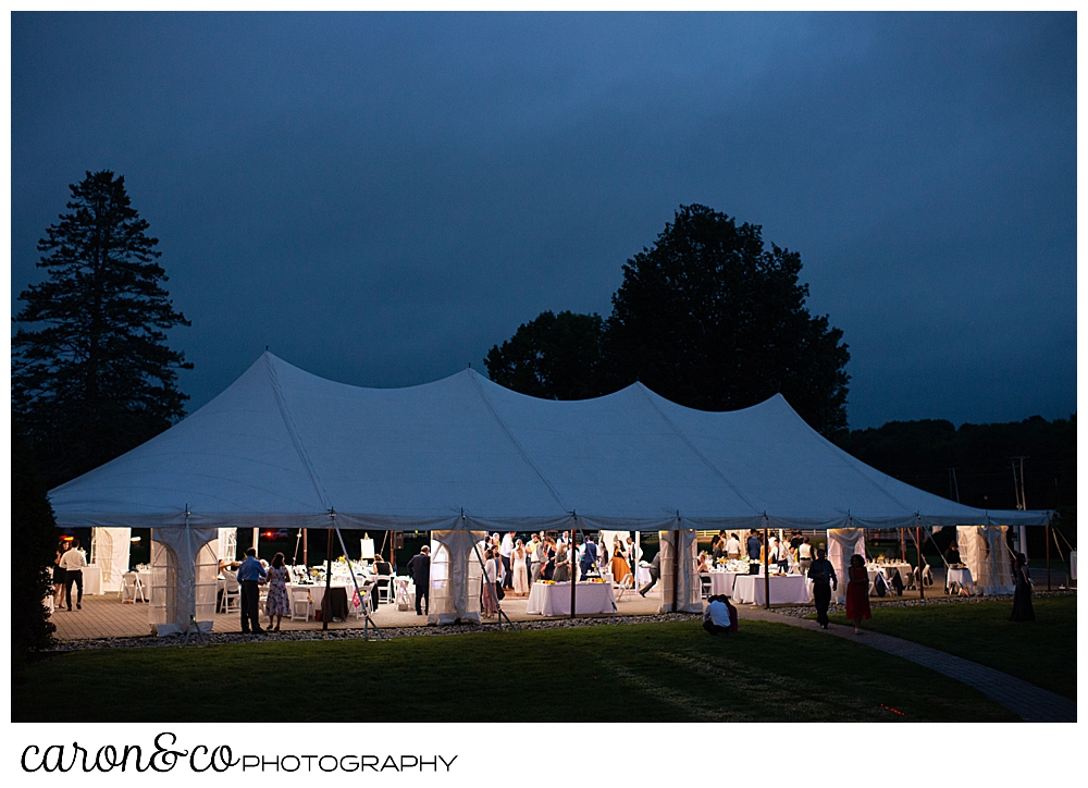 A Pineland Farms tented wedding at dusk